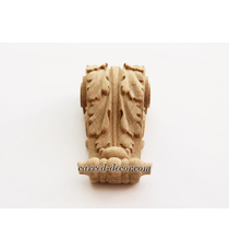 Furniture wooden bracket with acanthus leaf