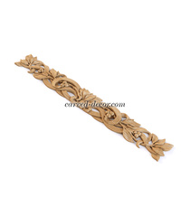 Carved laurel onlay with ribbons fo...
